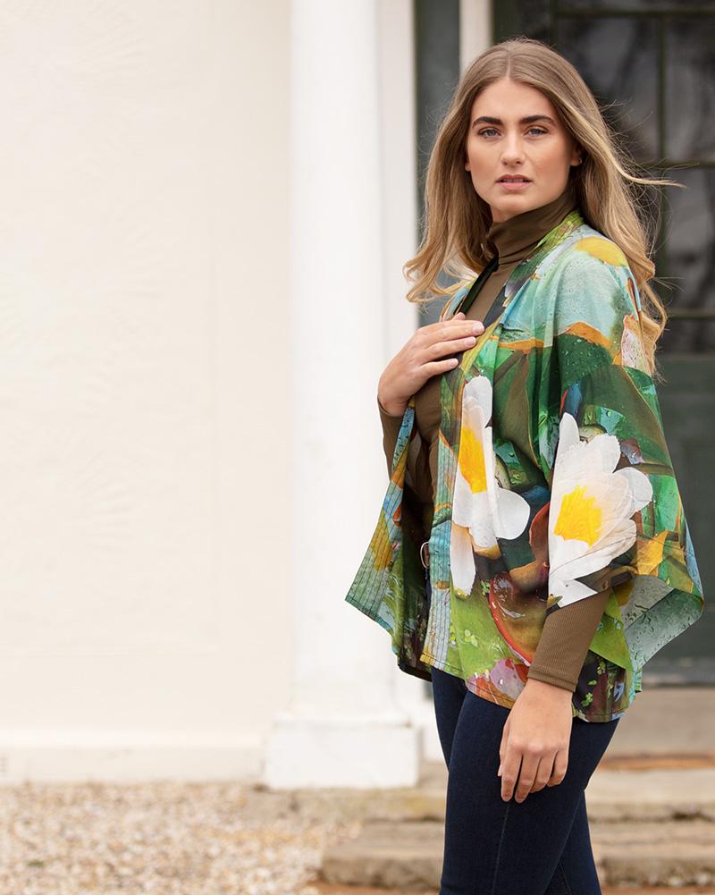 Waterlilies lightweight robe