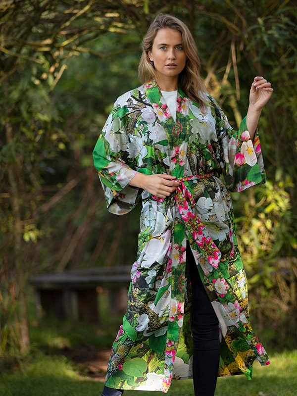 blossoming-lightweight-robe